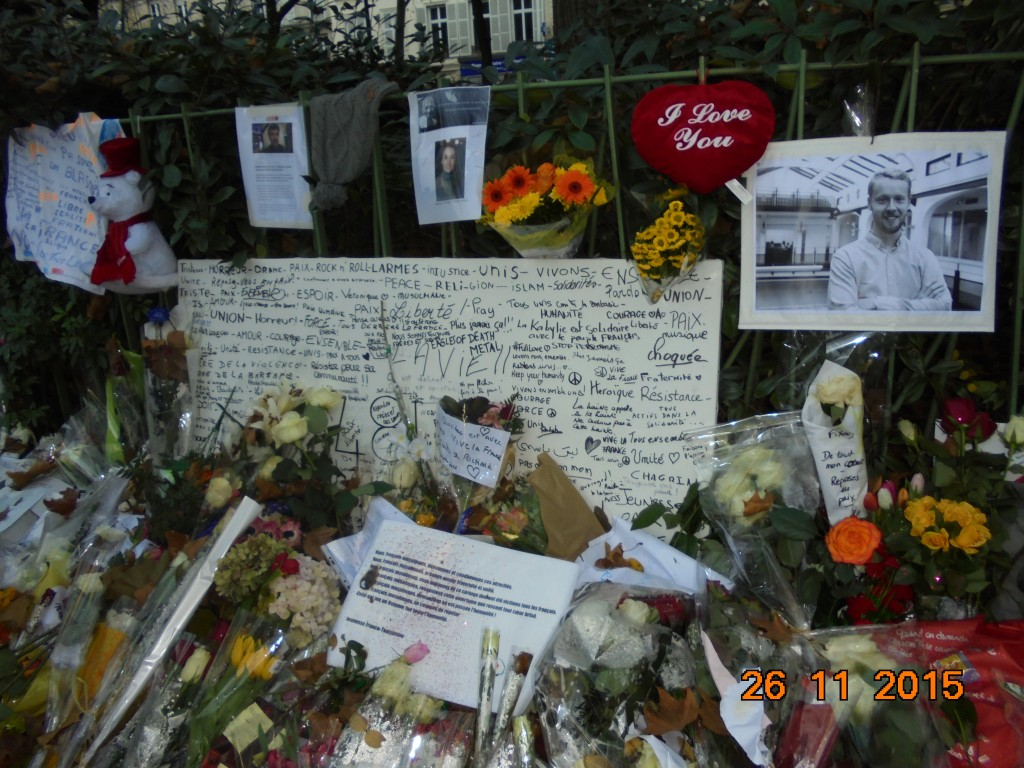 Love for victims, Bataclan, Paris